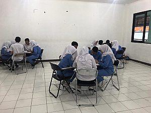 IMG 20190131 WA0060 300x225 PROSES PEMBELAJARAN DENGAN TEKNIK ZIGSAW. MAHASISWA  PROGRAM STUDI SARJANA KEPERAWATAN STIKes DHARMA HUSADA BANDUNG STIKes