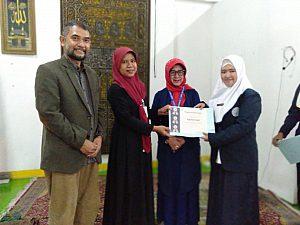 IMG 20190408 WA0007 300x225 Penyerahan sertifikat pemenang lomba Debat Bahasa Inggris tk kampus utk diutus menjadi perwakilan tingkat LLDIKTI Mahasiswa STIKes Dharma Husada Bandung. STIKes